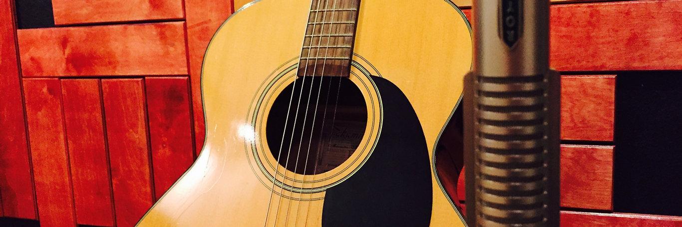 Royer R121, Takamine acoustic Guitar
