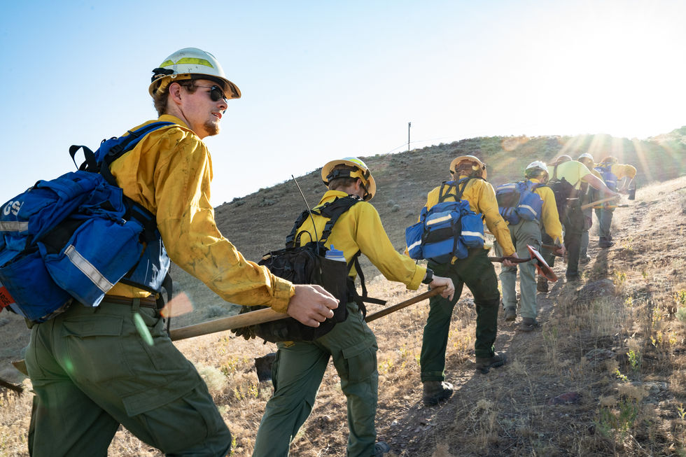 The engine crew hikes up Vale's Rinehart Butte during physical training on June 24, 2021.