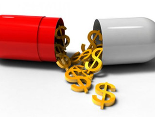 Forschung versus Marketing. Wo Pharmakonzerne ihre Prioritäten setzen.