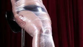 Folien-Bondage – eine Art der Mumifizierung