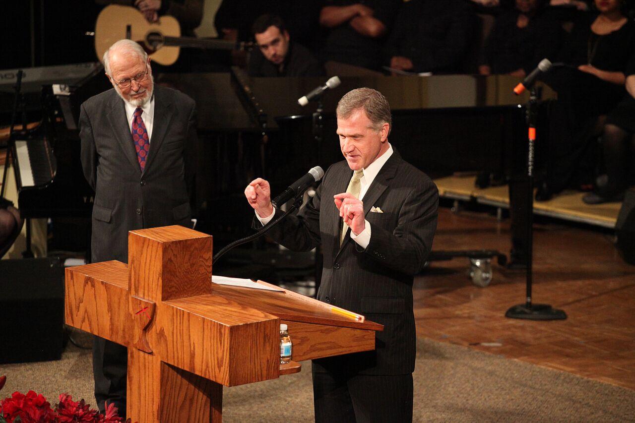 Rev. Dr. Robertson