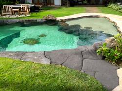 Niuiki Pool with Rock Path