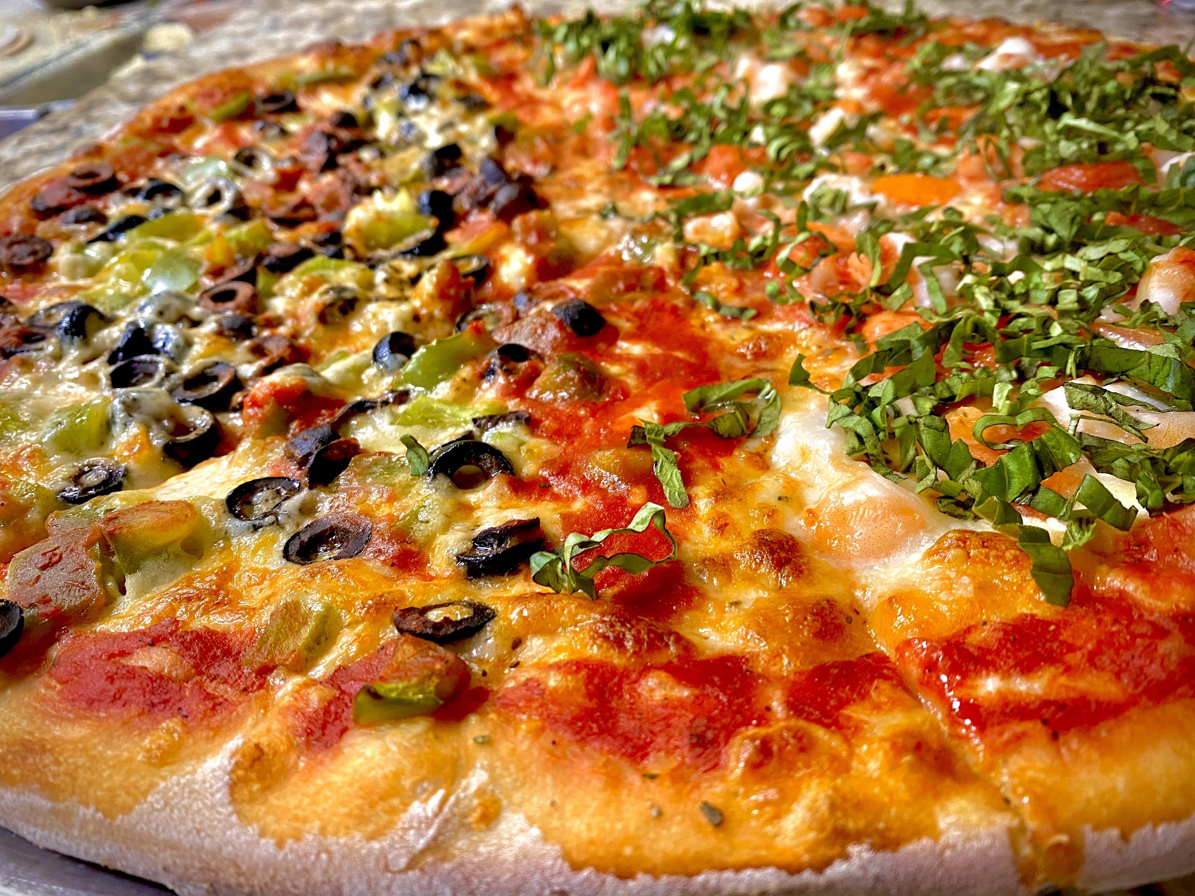 nj pizza woodbridge nj Strawberrys pub