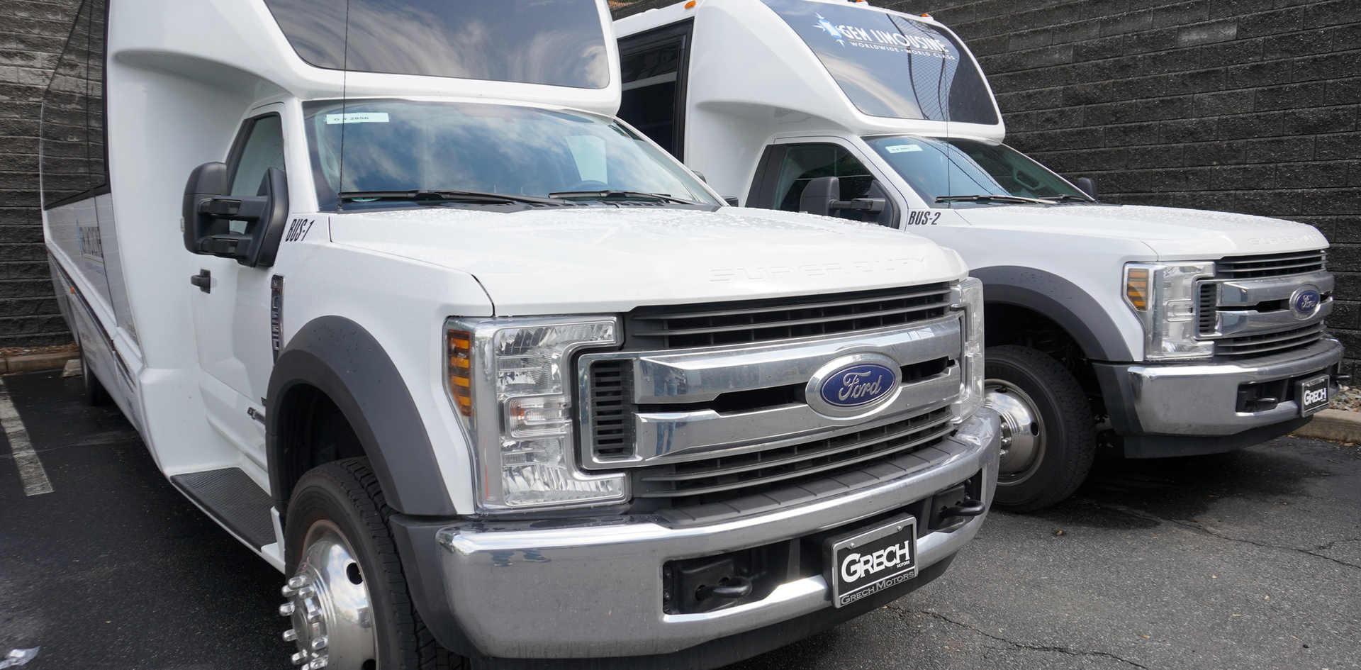 Gem limo Mini Coach - mini bus services.JPG