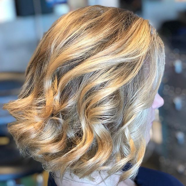#balayage#freehand#blondehair#bestsalon#haircolor#besthair#bestsalon#waves #bestofbalayage _behindthechair_com _milbonusa _pravana _babyliss