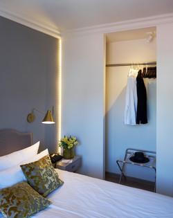 Zimmer 244