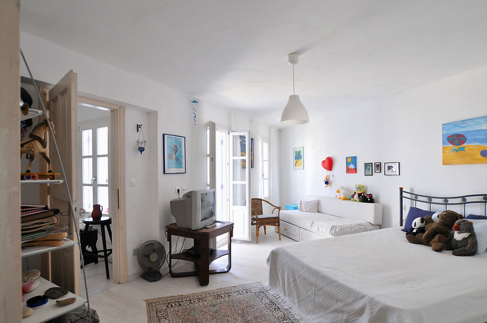 Downstairs bedroom of villa Athena in Alonissos.