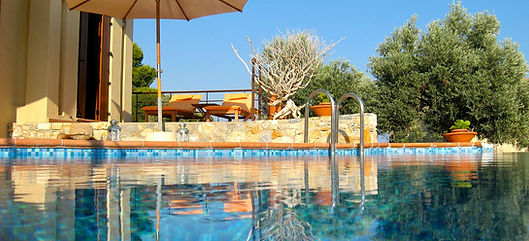 6.villa-Ouranos-swimming-pool-area.jpg