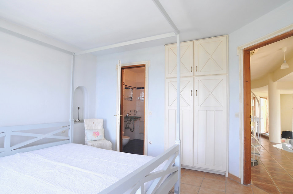 Downstairs Bedroom with En-Suite