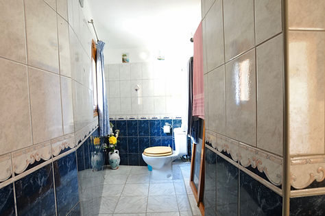 Toilet of house Lesbobs in Alonissos