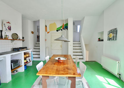 Kitchen with stairs to all rooms