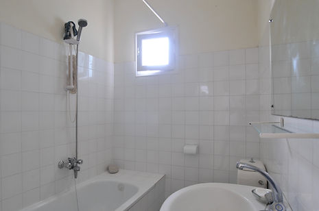 Master bathroom, villa Eirene