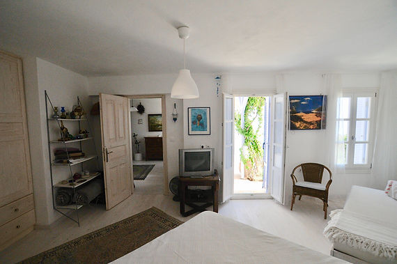 Guest bedroom of villa in old village of Alonissos