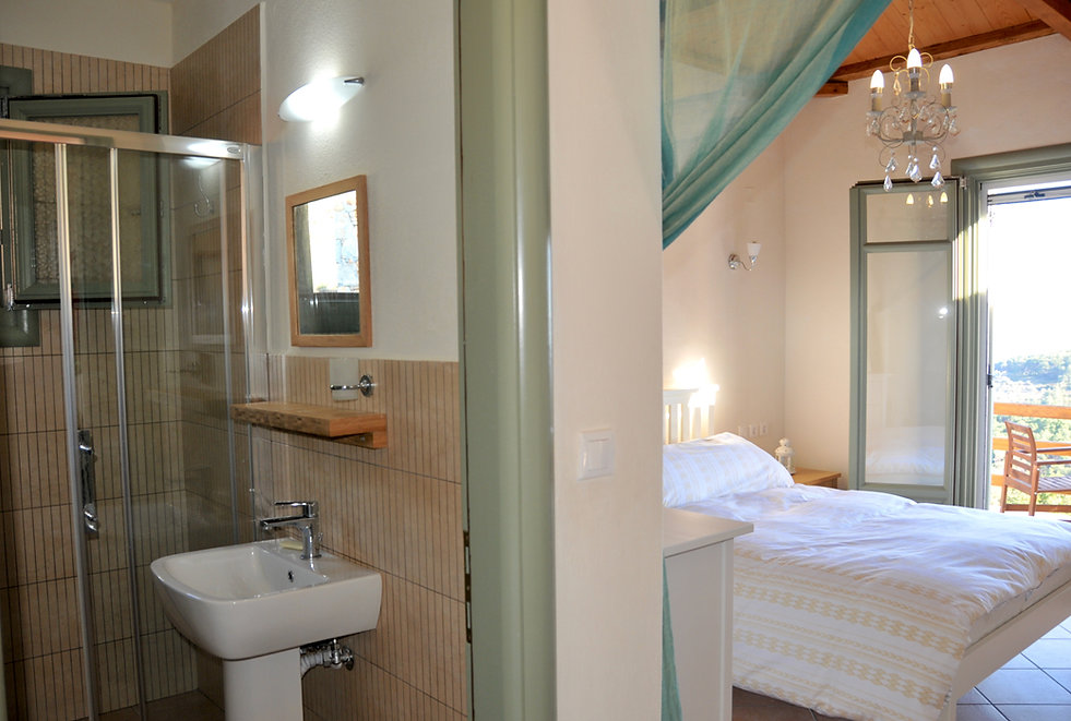Bedroom with en suite, Petrou Elia, Alonissos