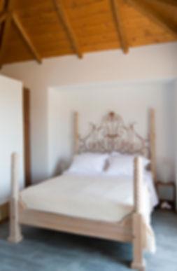 9.villa-ouranos-master-bedroom2.jpg