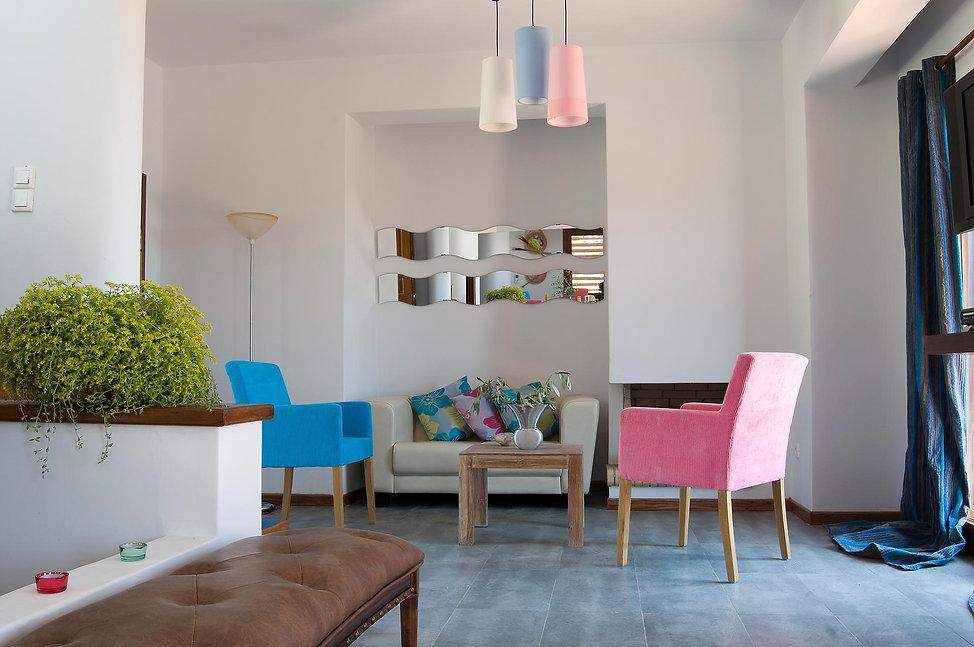 4.villa-Ouranos-living-room.jpg