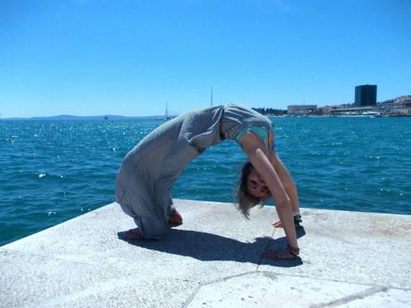 yoga 22