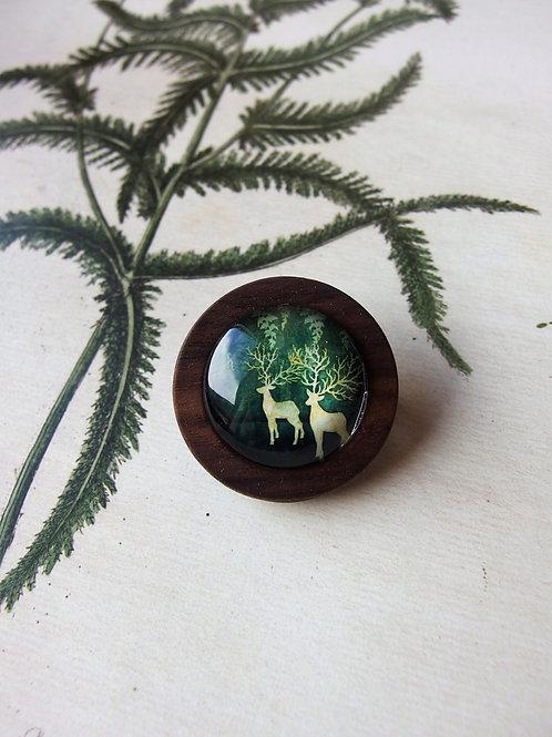 Brosche dunkel Hirschen grün