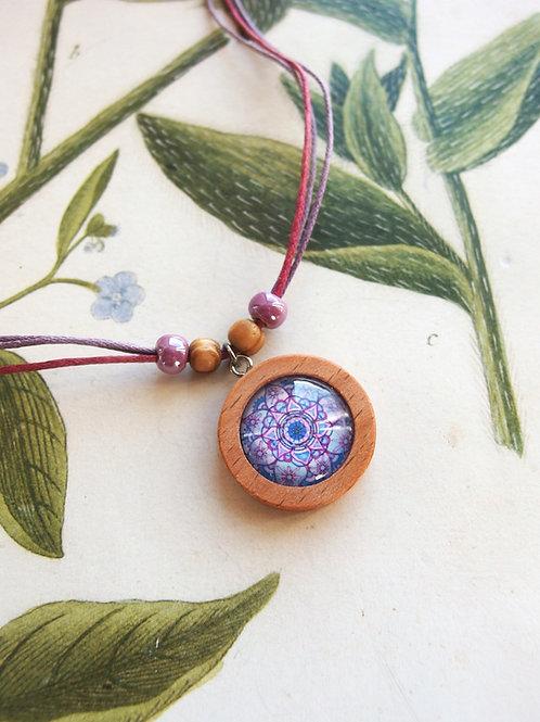 Halskette klein Mandala lila
