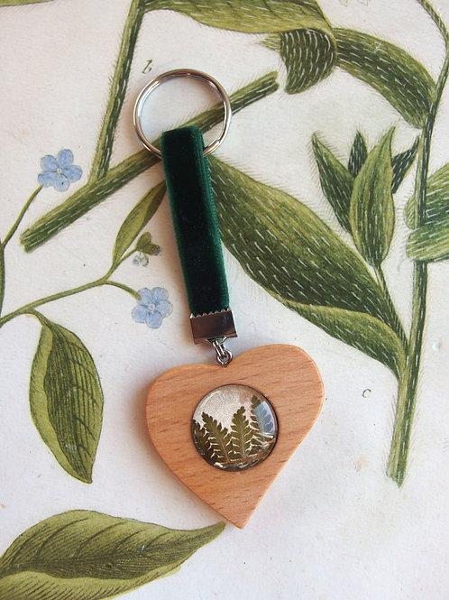 Schlüsselanhänger Herz Farn grün
