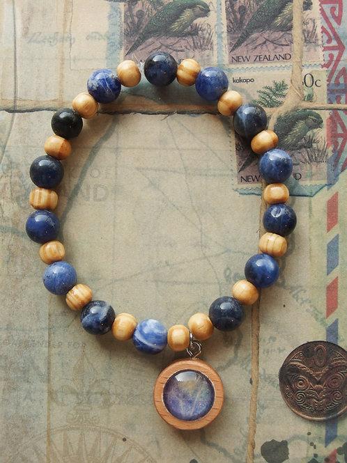 Holz- und Edelsteinarmband Hortensie Blatt dunkelblau