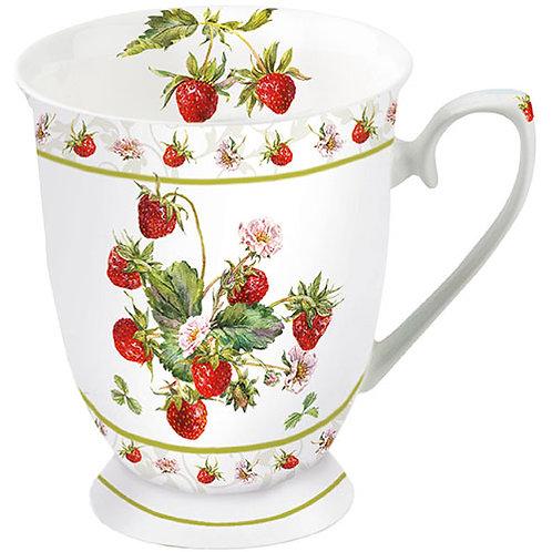 Tasse klein frische Erdbeeren