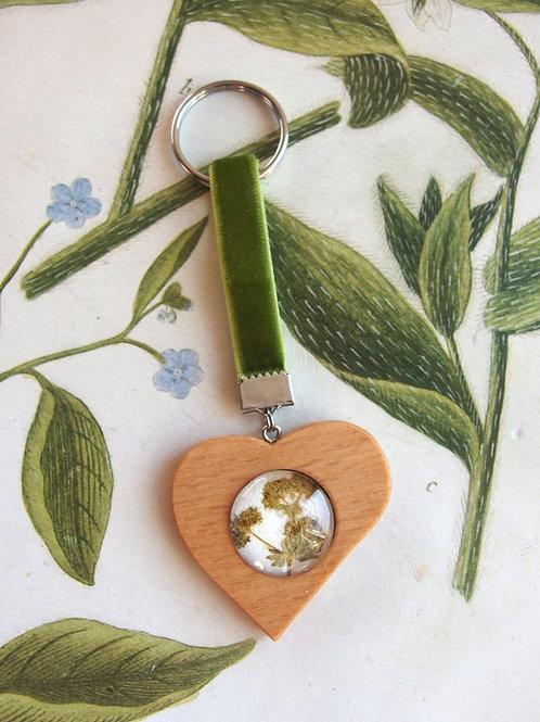 Schlüsselanhänger Herz Frauenmantel