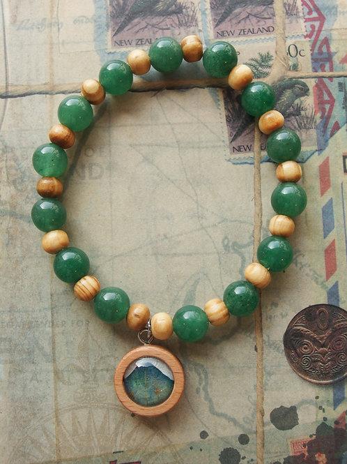 Holz- und Edelsteinarmband Hortensie Blatt grün