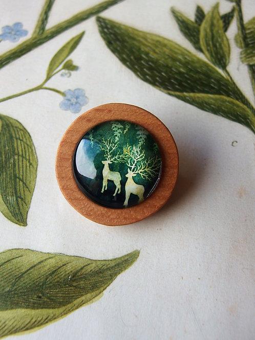 Brosche Hirschen grün