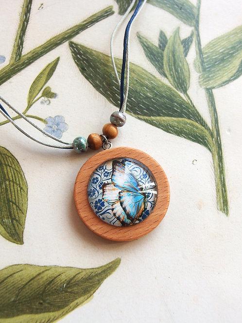 Halskette groß Schmetterling hellblau