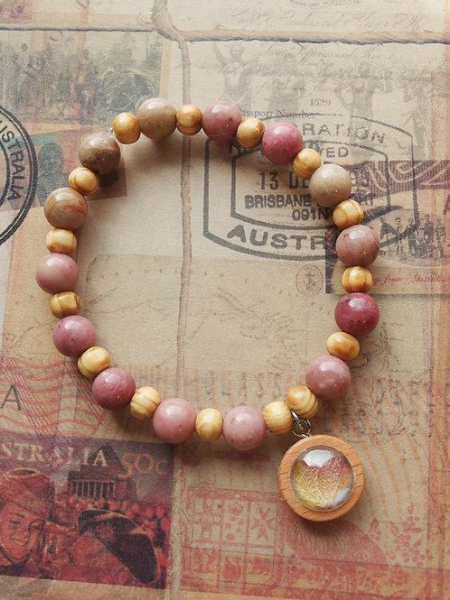 Holz- und Edelsteinarmband Hortensie Blatt rosa