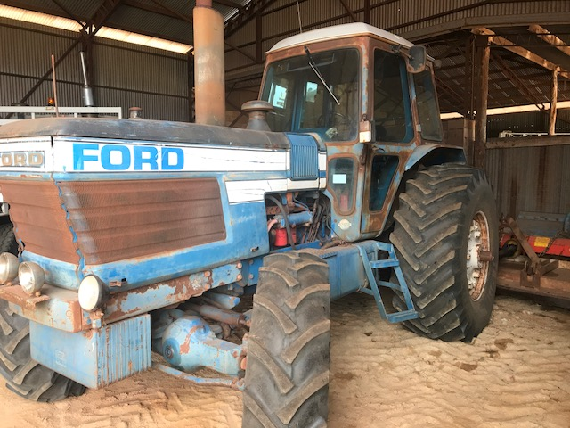 BLK TRACTOR FORD