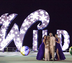 First night that they lit the sign with snowflakes!  www.julieelliottphotography