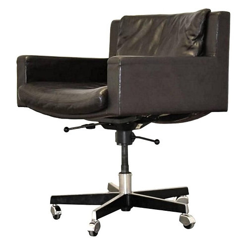 Robert Haussman x De Sede Executive Chair