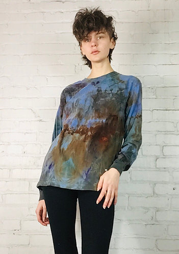 Small Long sleeve T-shirt w/front pocket