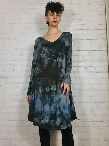 Large Long Sleeve V-neck A-line Dress w/pockets (Fits 10-14)