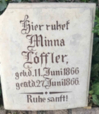 friedhof_Planitz_Ältester_Grabstein.jpg