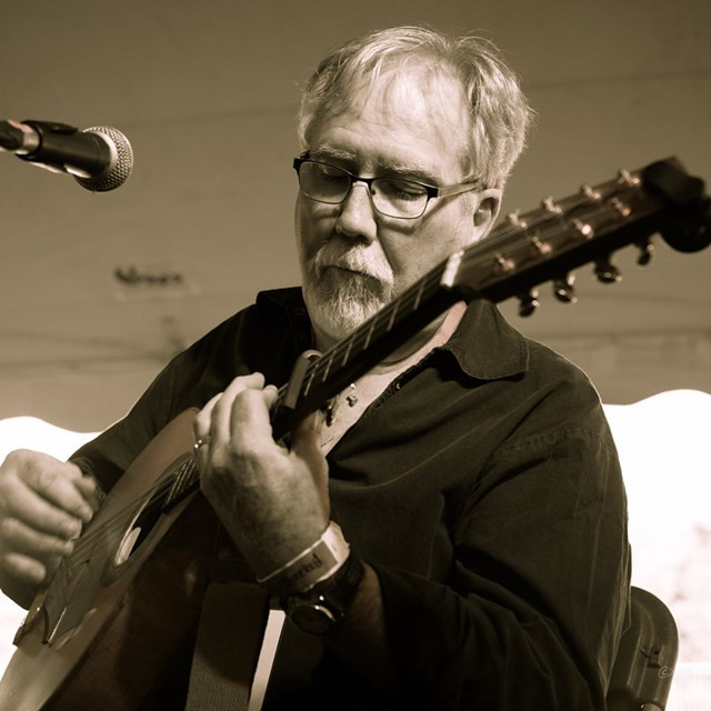 Celtic Music School - Arranging Traditional Songs for Singer/Guitarists with Bob MacLean