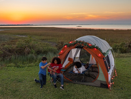 Fa-la-la in fresh air at these 11 Texas parks decked for the holidays