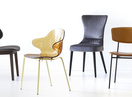 Les chaises.