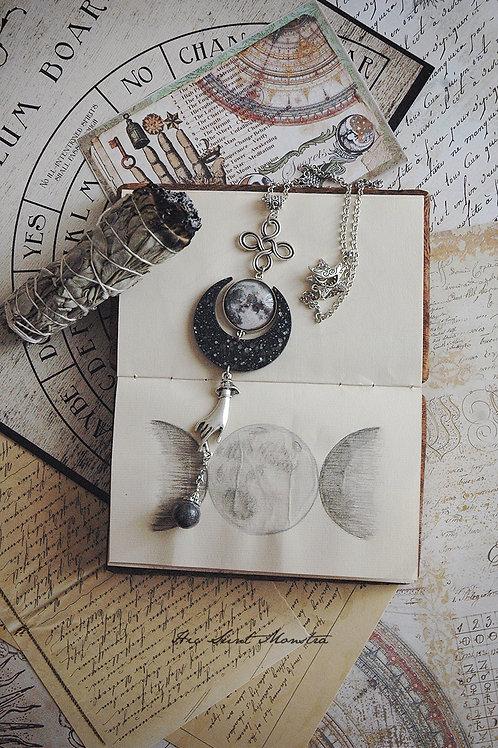 Moon Monday - I am Magic