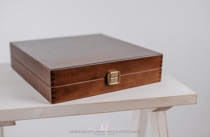 Holzbox mit Gravur 20x20