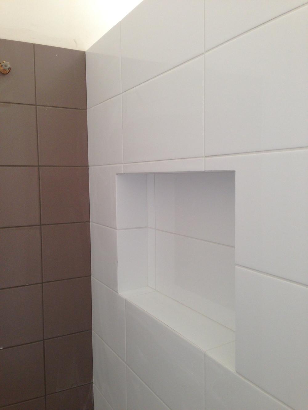 Bullnose shower niche