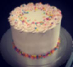 Bolo de chocolate para aniversários, casamentos, festas