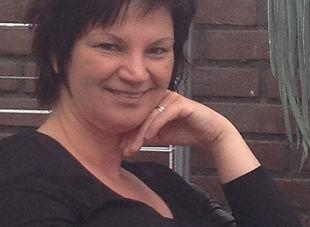 Ik ben Ingrid von den Hoff-Krist en  ben tevens Happinesz.nl HandVoetHuidverzorgingBrunssum