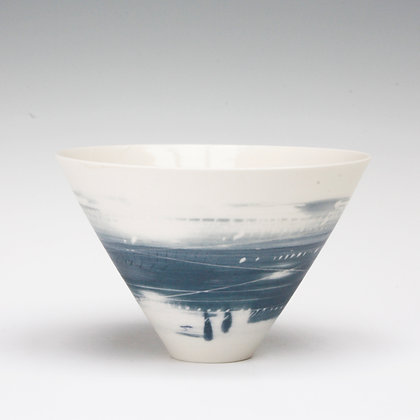 V bowl. Two blues