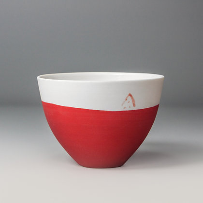 Small cup/bowl. Red