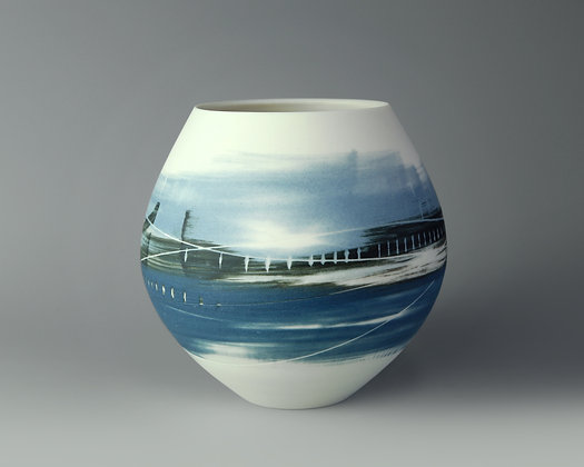 Small round pot. Blues landscape