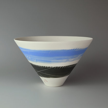 V bowl. French blue & black