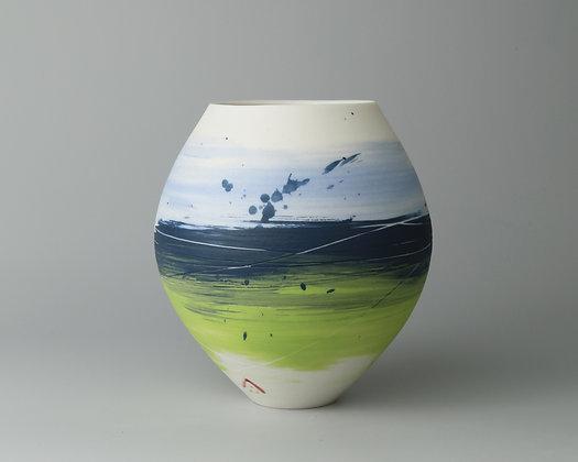 Small round pot. Pansy